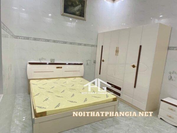 bộ giường tủ màu kem 1826