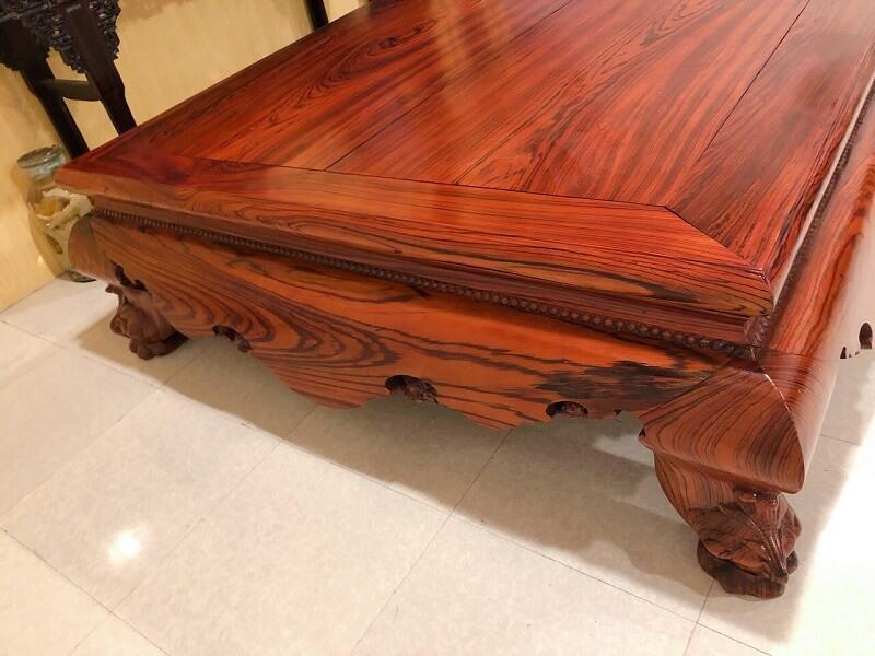 giường gỗ hương cho người giàu