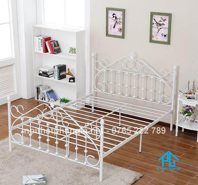 giường sắt hiện đại