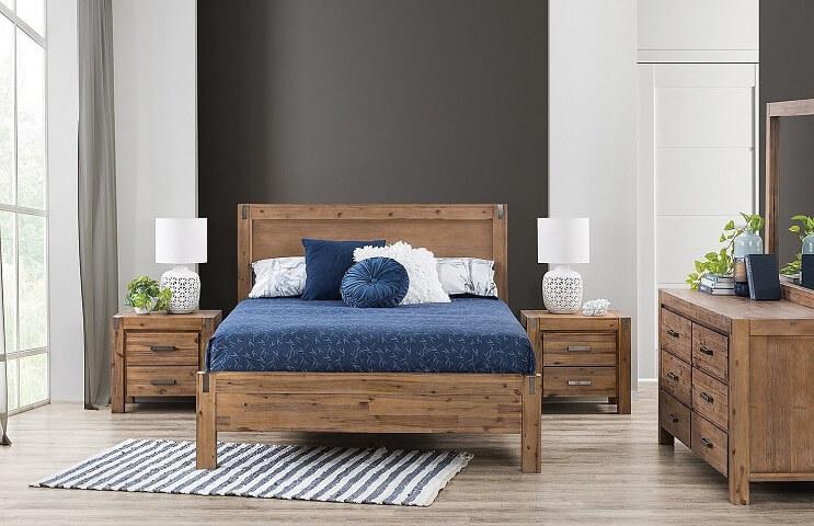 mẫu tab đầu giường đẹp bằng gỗ theo phong cách tân cổ điển