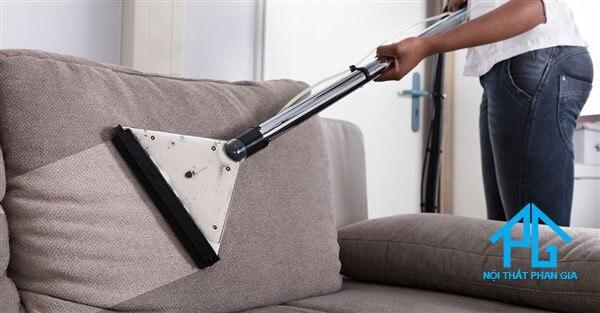 10 cách làm sạch ghế sofa tại nhà đơn giản