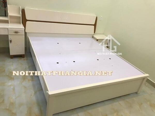 bộ giường ngủ 9831C