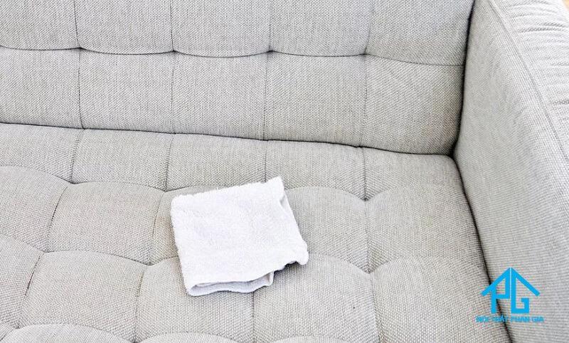 cách vệ sinh sofa vải nỉ