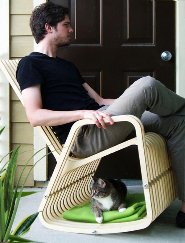 ghế sofa có chỗ cho mèo dưới gầm