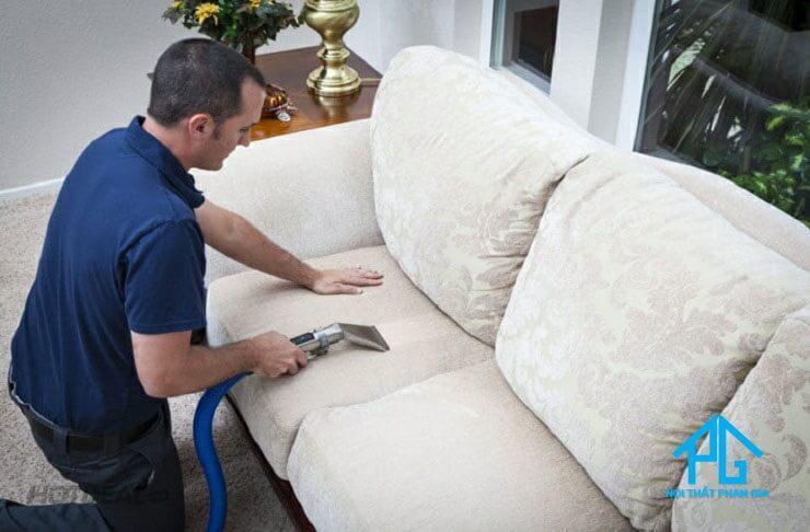 làm sạch sofa vải nhung