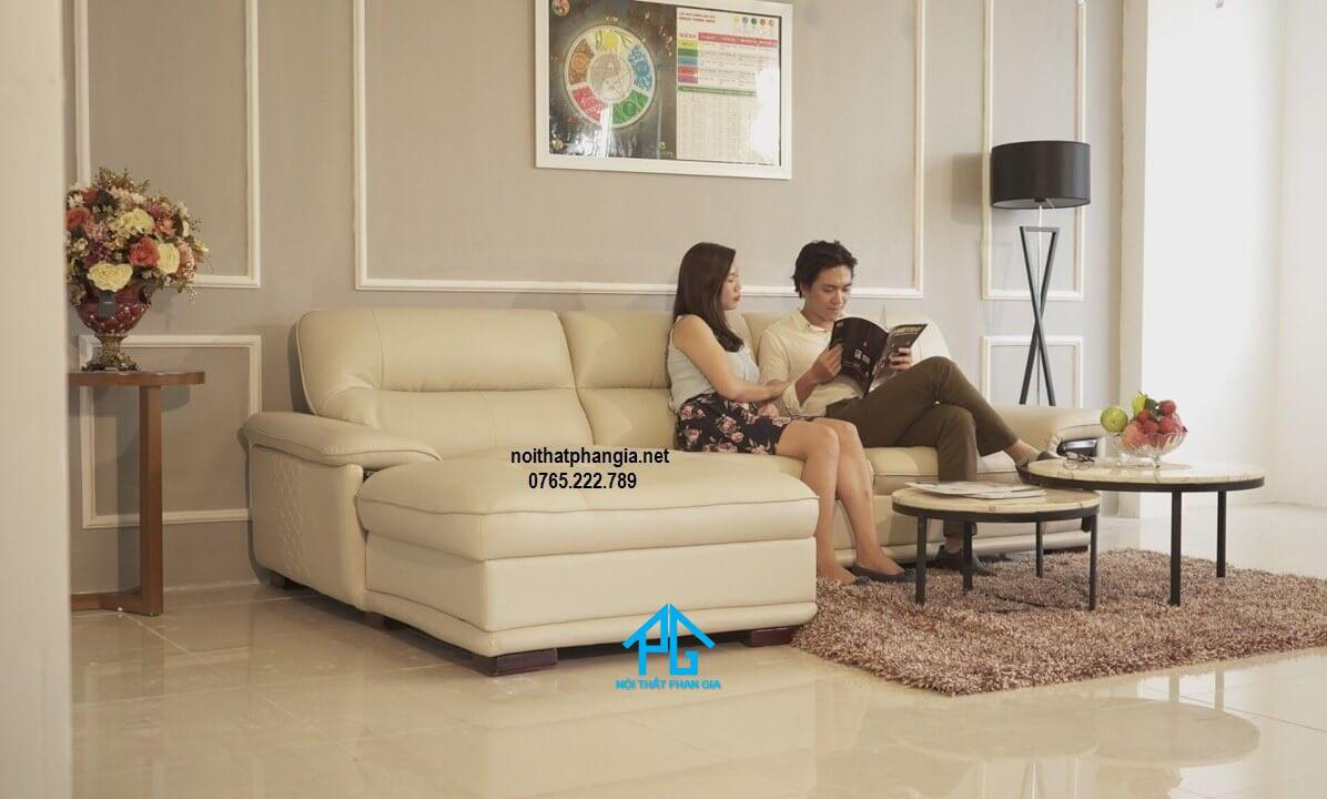 sofa phòng khách trẻ trung;