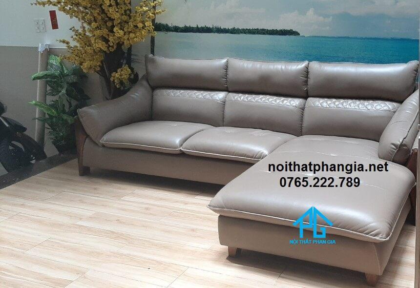 sofa tone màu trầm hiện đại