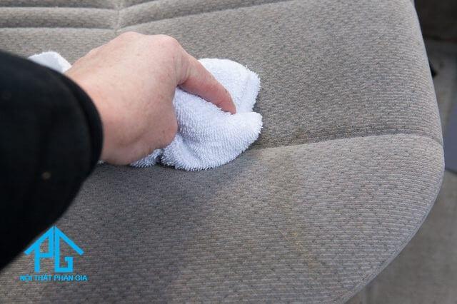 tư vấn cách vệ sinh ghế sofa bọc vải đúng nhất
