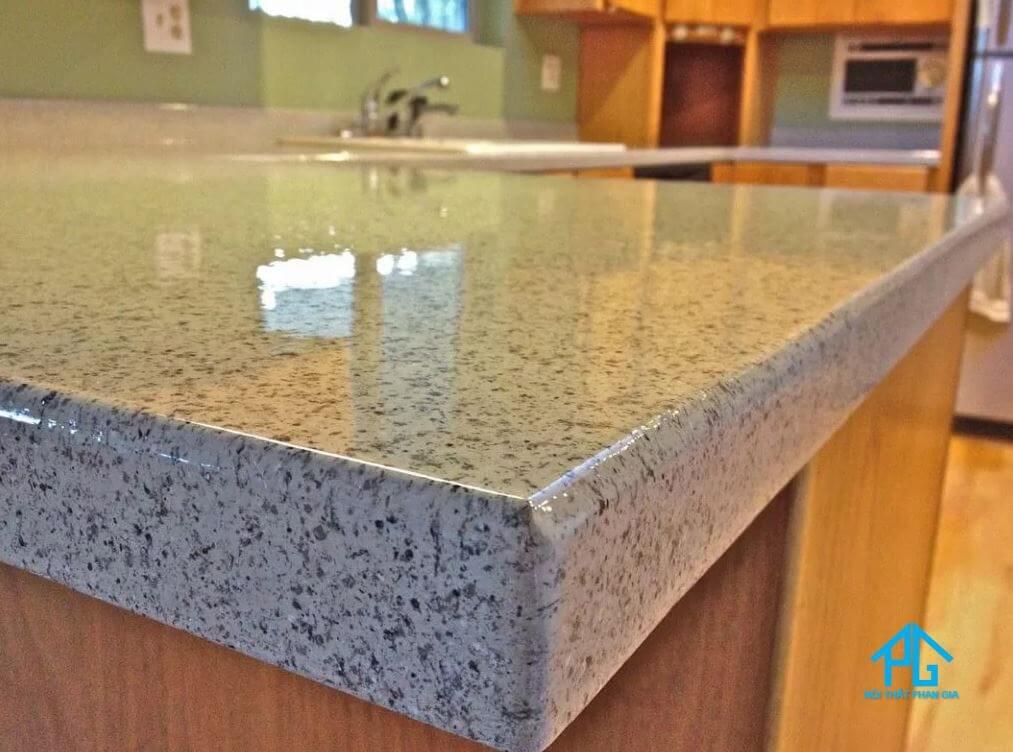 bàn ăn mặt đá granite là gì