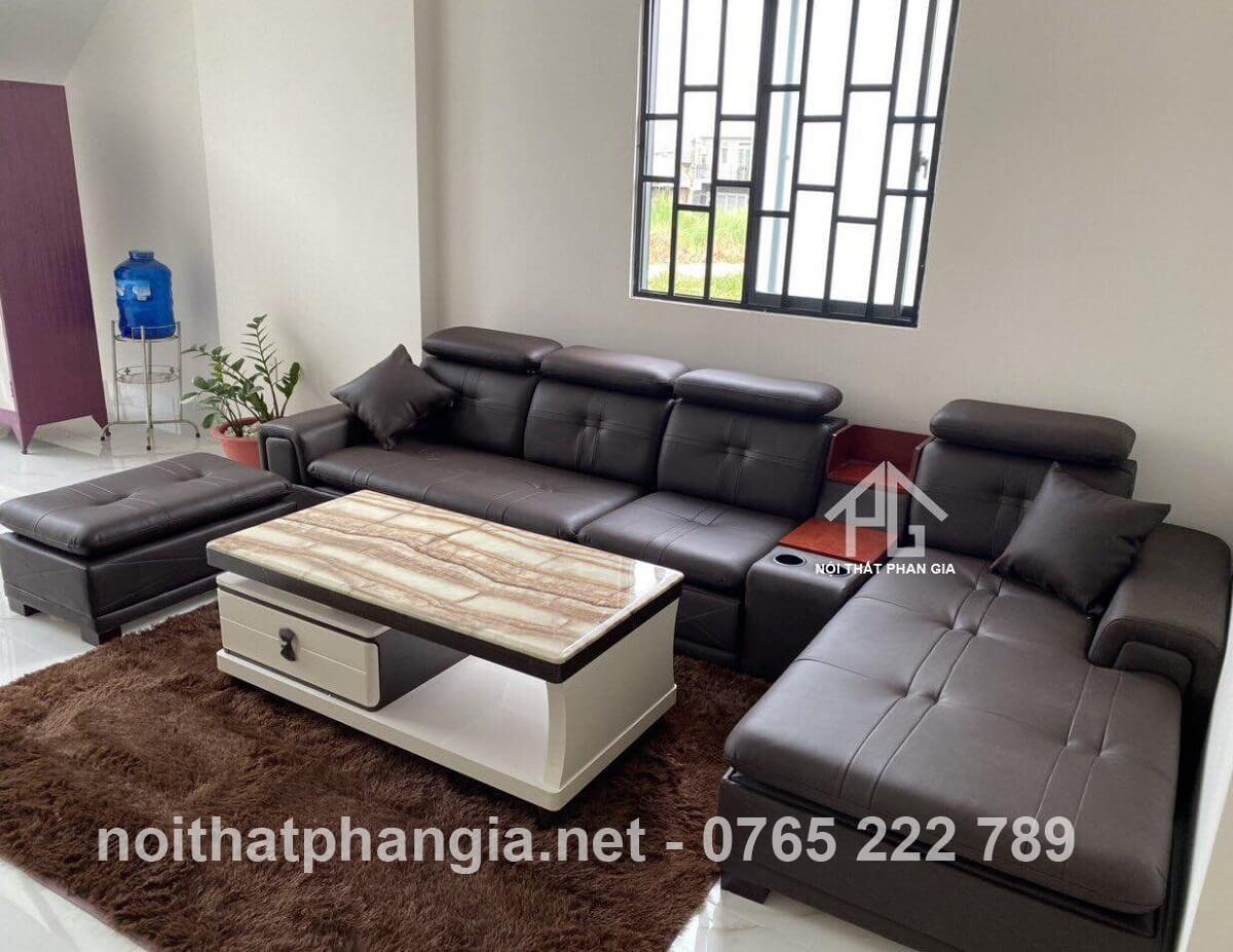 ghế sofa làm từ da công nghiệp;