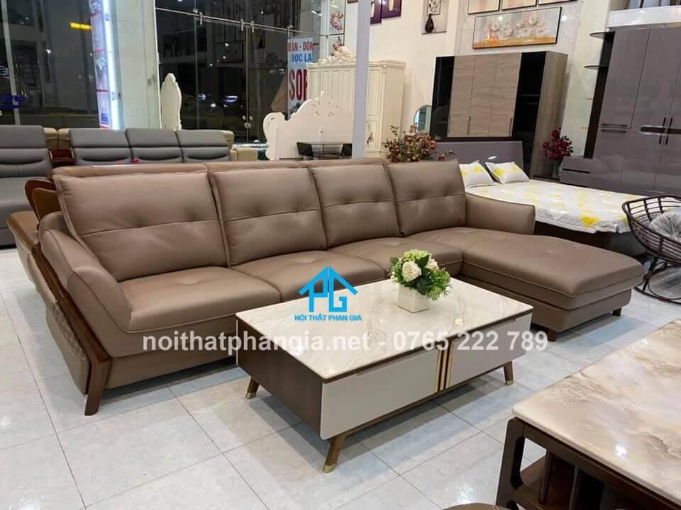 sofa da phòng khách;