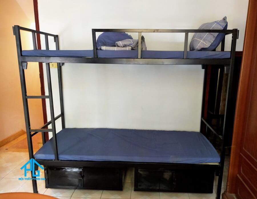 giường tầng sắt truyền thông