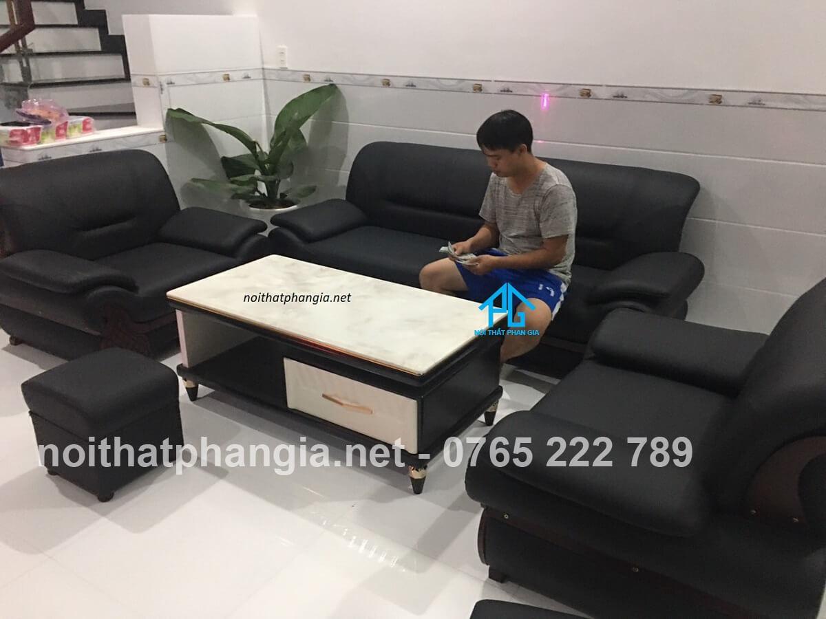 sofa đơn da microfiber khung chân sắt;