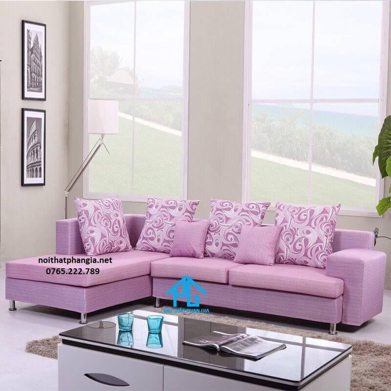 có nên sử dụng gối tựa sofa;
