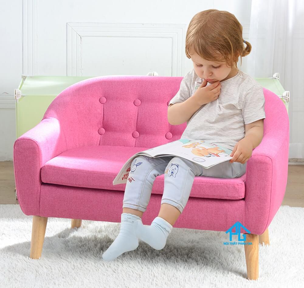 Có nên mua ghế sofa cho bé không?