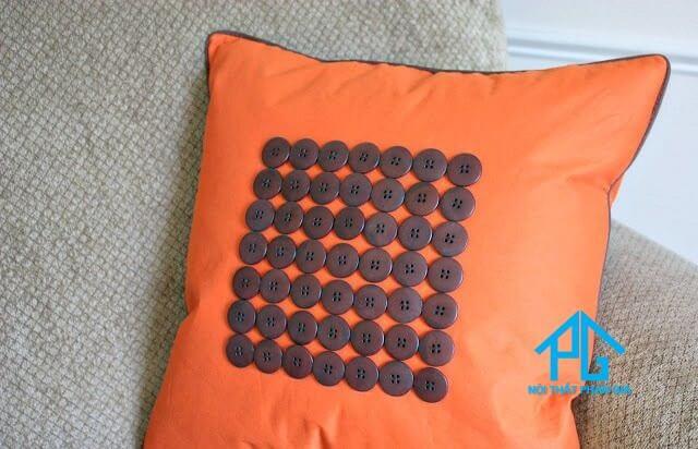 tự trang trí gối tựa sofa tại nhà