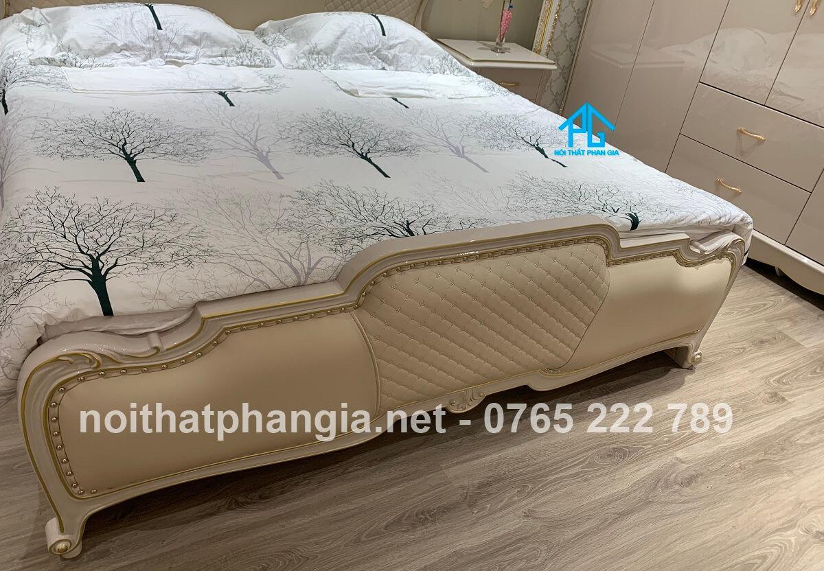 giường ngủ 2 người MA005